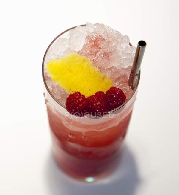 Cóctel de frambuesa congelada - foto de stock