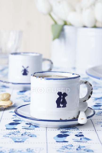 Closeup view of Espresso cups decorated with porcelain stickers — Stock Photo
