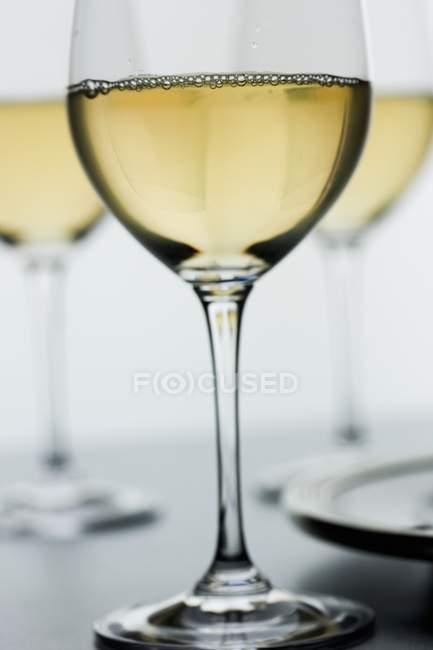 Detailansicht der Chardonnay Wein in Stielgläser — Stockfoto