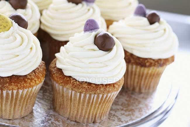 Baunilha cupcakes para a Páscoa — Fotografia de Stock