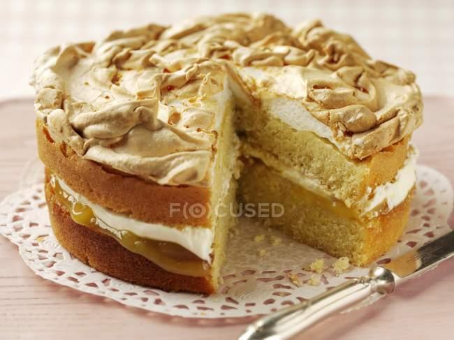 Lemon cake topped with meringue — Stock Photo