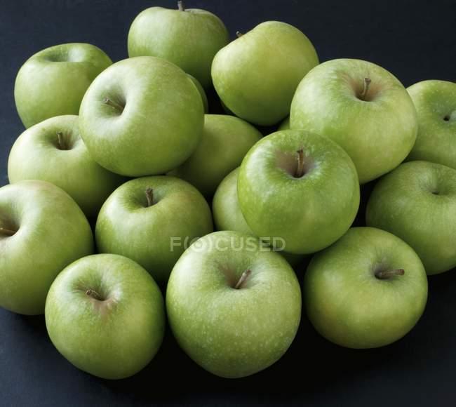 Green Granny Smith apples — Stock Photo
