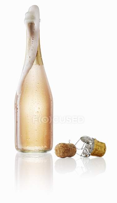 Рожеве шампанське барботажних — стокове фото