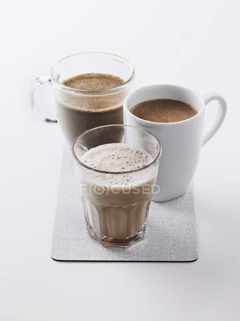 Гарячий шоколад у чашках — стокове фото