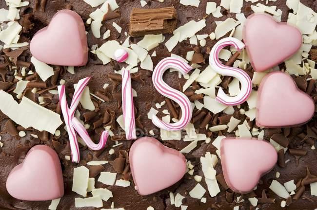 Chocolates em forma de coração rosa — Fotografia de Stock
