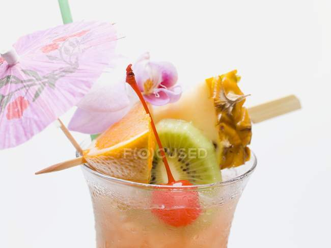 Cocktail with exotic fruit — Stock Photo