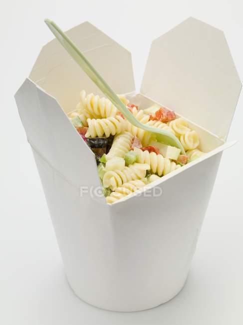 Fusilli Nudeln mit Gemüse — Stockfoto