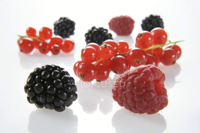 Blackberries with raspberries and redcurrants — Stock Photo