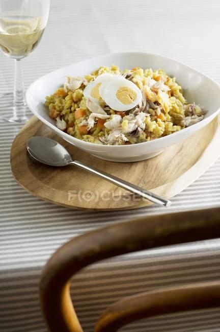Достойный блюдо из риса с рыбой — стоковое фото