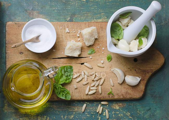 Ingredients for basil pesto — Stock Photo