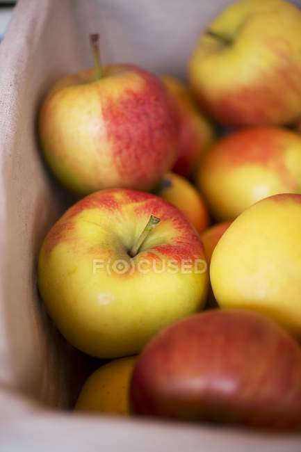 Crate of fresh apples — Stock Photo