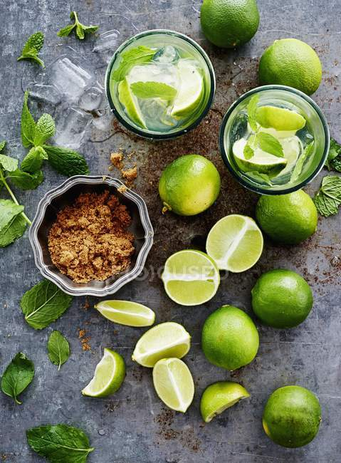 Ingredients for caipirinha on table — Stock Photo
