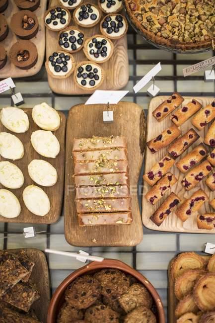 Tartas y pasteles de panadería - foto de stock