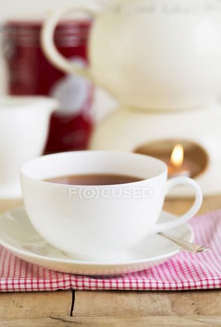 Rooibos thé dans la tasse blanche — Photo de stock