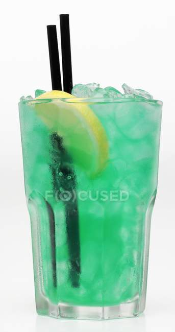 Turquoise cocktail with ice — Stock Photo