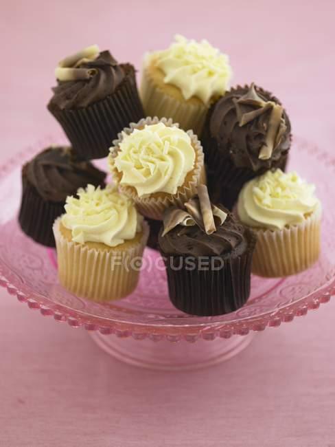 Bolinhos de limão e chocolate — Fotografia de Stock