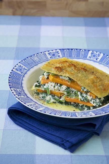 Patata dolce e lasagne agli spinaci — Foto stock