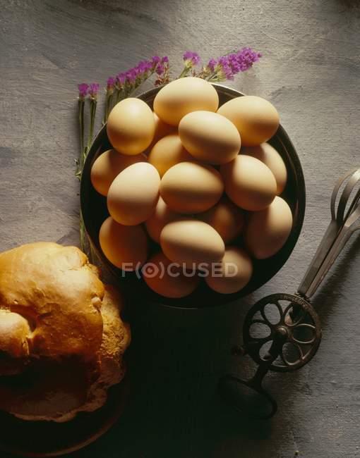Tigela de ovos castanhos — Fotografia de Stock