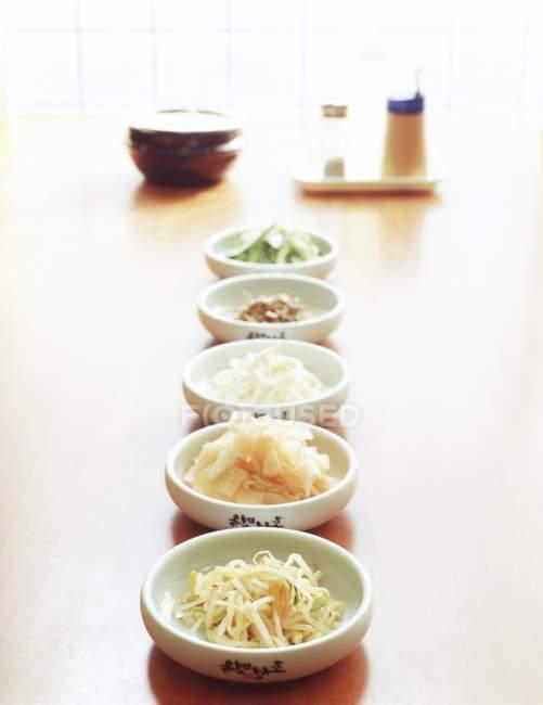 Cinco platos coreanos - foto de stock