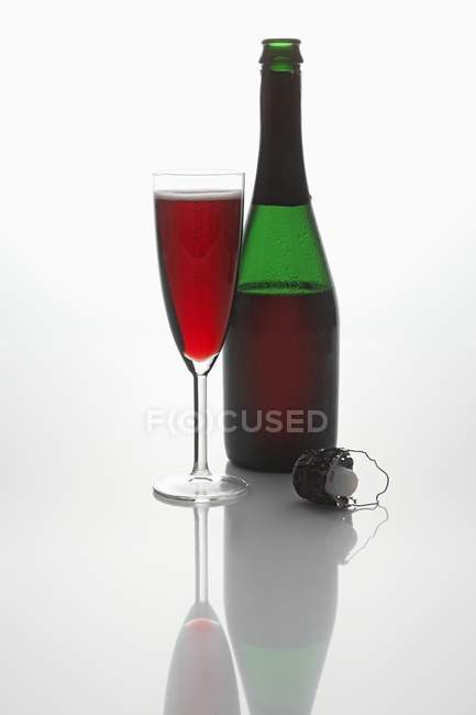 Red sparkling wine — Stock Photo