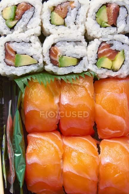 Maki und Nigiri Sushi — Stockfoto