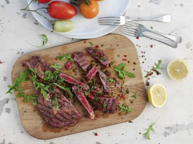 Bistecca di manzo alla griglia — Foto stock