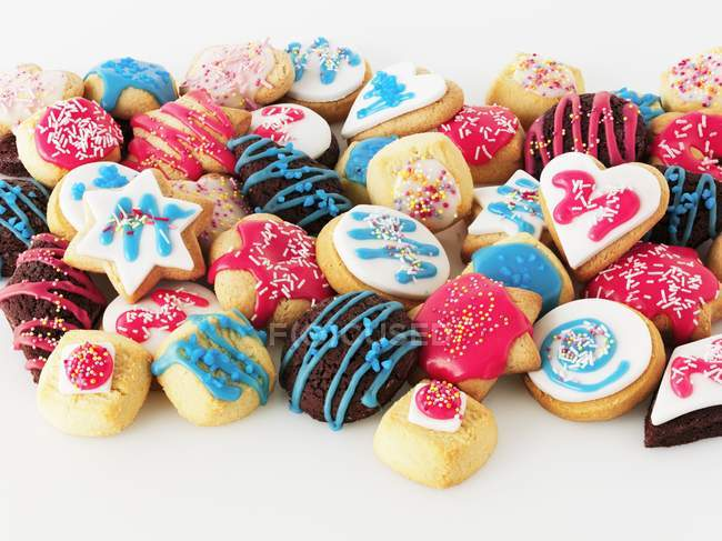 Colourfully iced biscuits — Stock Photo