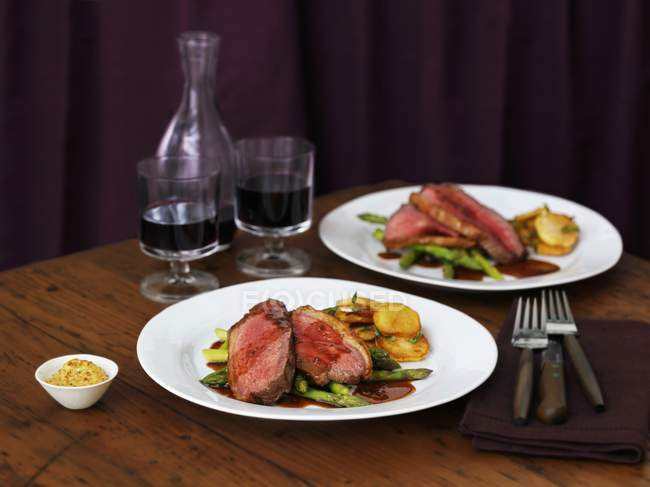 Picanha-Steak mit Kartoffeln — Stockfoto