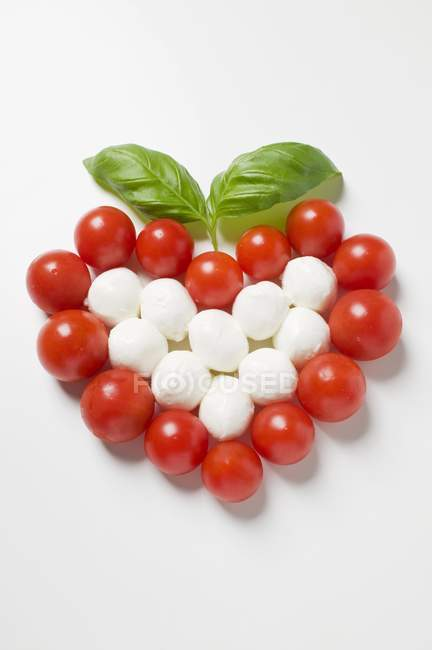 Cherry tomato and mozzarella — Stock Photo