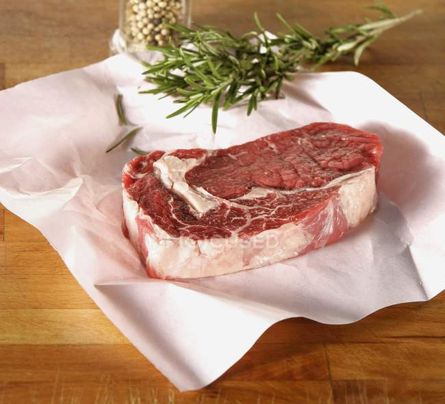 Raw rump steak — Stock Photo