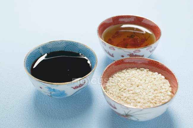 Asiatische Saucen und Samen — Stockfoto