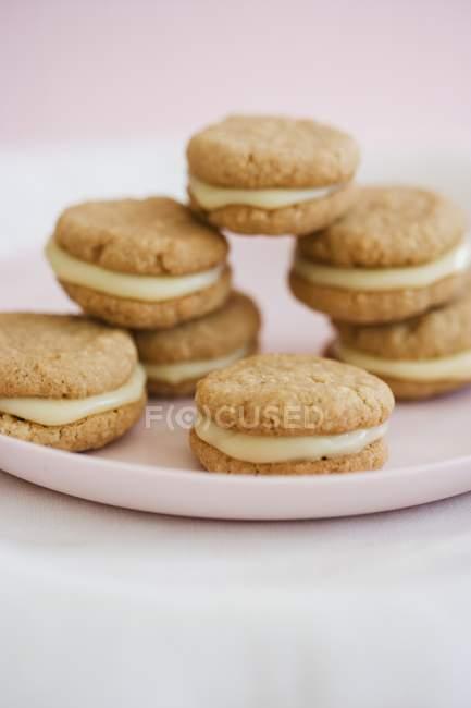 Печиво лимонне сендвіч — стокове фото