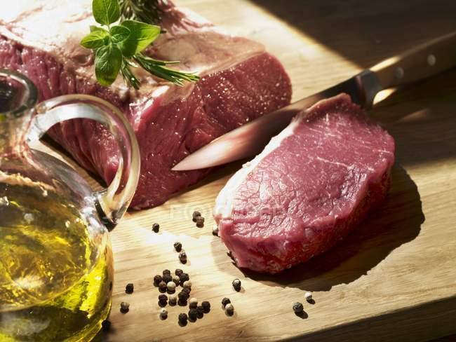 RAW штук Філе яловичини — стокове фото