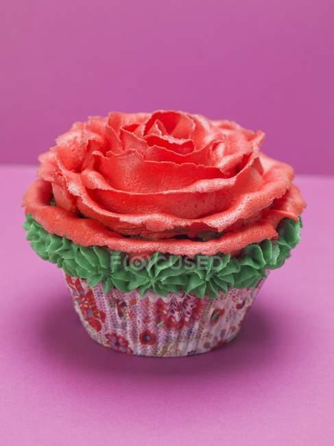 Кекс з троянди марципану — стокове фото