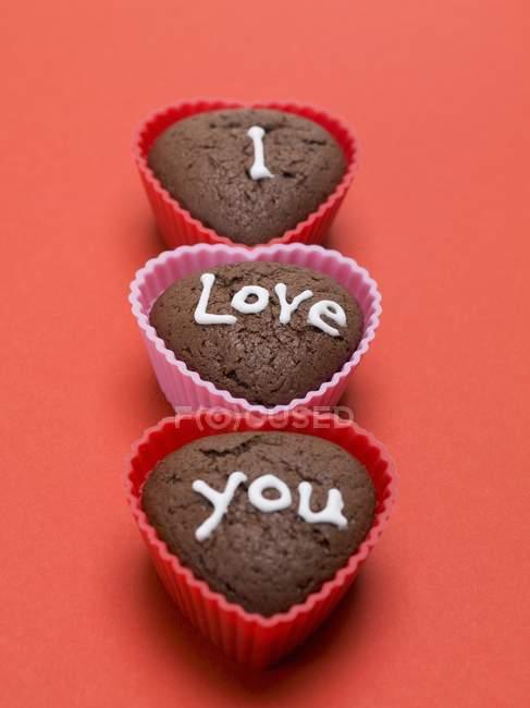 Muffin al cioccolato a forma di cuore — Foto stock