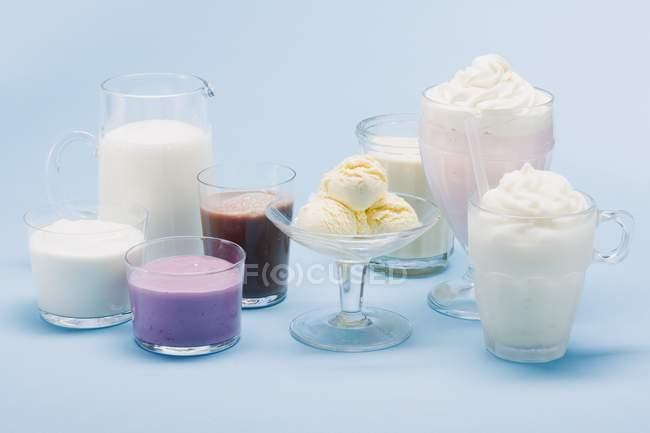 Ice cream and milk — Stock Photo