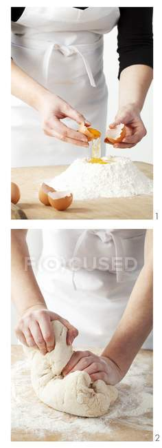 Making cake mixture — Stock Photo