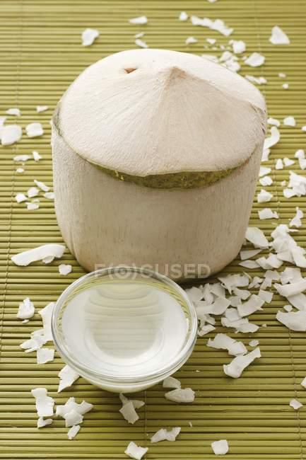 Свіжого кокосу очищені — стокове фото
