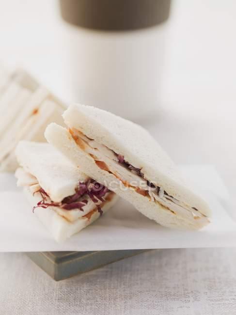 Tramezzini panino con pomodori — Foto stock