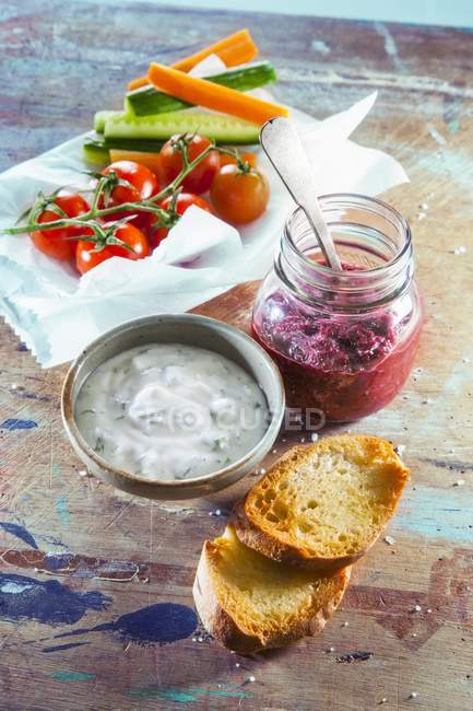 Pesto di barbabietola e yogurt — Foto stock