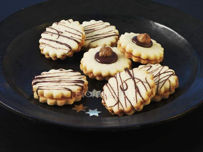 Galletas de Navidad con rayas chocolate - foto de stock