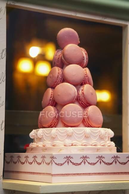 Пирамида миндальное печенье на торт — стоковое фото