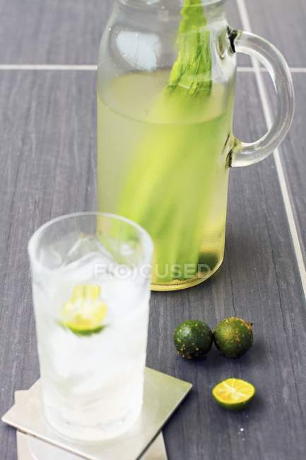 Closeup view of lime and pandan drink — Stock Photo