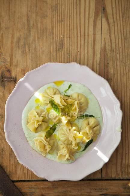Fiocchi com Gorgonzola e pera — Fotografia de Stock