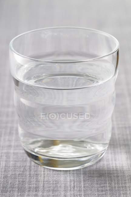 Скло прісної води — стокове фото