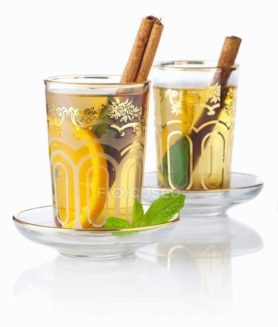 Tea Eastern-style with mint — Stock Photo