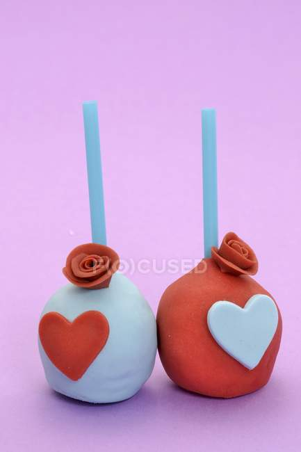 Торт pops оформлені з троянди серця і цукор — стокове фото