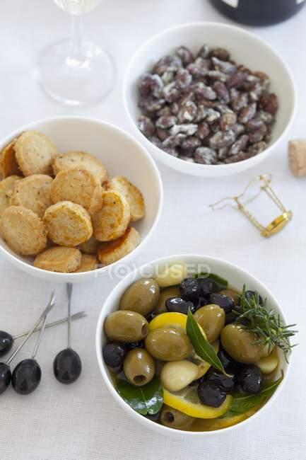 Oliven, Käse-Cracker — Stockfoto