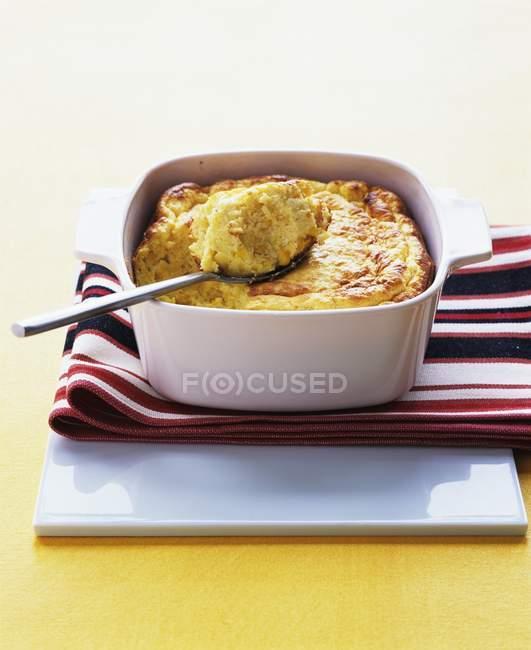 Cheddar-corn spoon bread — Stock Photo