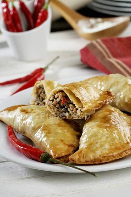 Empanadillas с мясом — стоковое фото